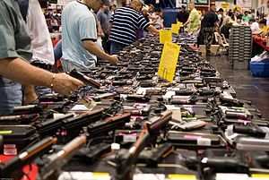 300px-houston_gun_show_at_the_george_r._brown_convention_center_0